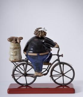 d48-golfista-en-bici