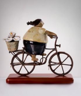 c45-florista-mujer-en-bici